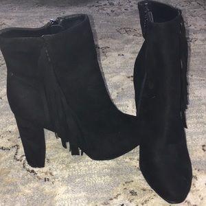 NWOT Breckelle's  ankle fringe boots